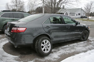 TOYOTA-CAMRY- LEATHER-HEATED-BIG-REDUCED
