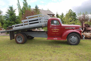 1946 GMC 2 ton with hoist