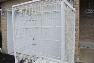 Tres Grandes Cages pour PERROQUET usagees seulement $300ch