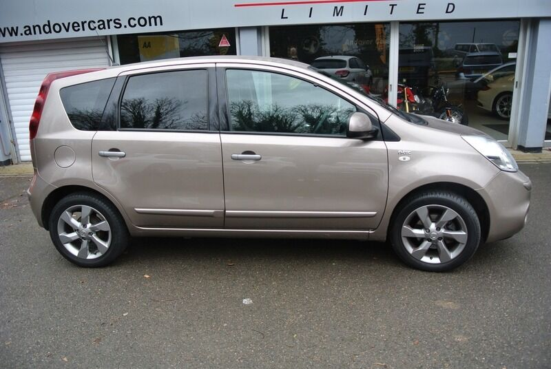 nissan note 1 4 16v n tec beige 2011 in andover. Black Bedroom Furniture Sets. Home Design Ideas