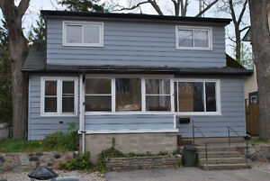 GRAND BEND COTTAGES FOR RENT   STUDENT FRIENDLY
