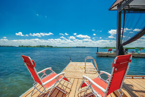 WATERFRONT VACATION HOME FOR RENT