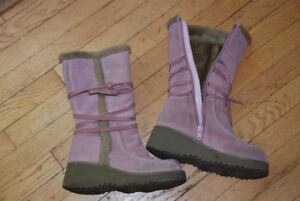 PINK SUEDE SPRING/FALL BOOTS SIZE 1