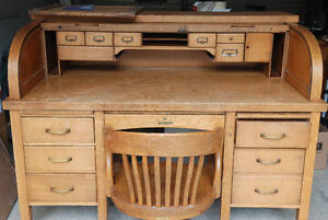 Roll Top Desk - Antique - includes chair