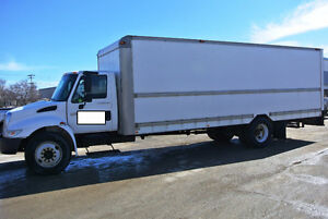 2005 INTERNATIONAL 4300 5 TON DRY BOX VAN BODY