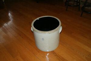 Gros pot en grès antique 8 gallons