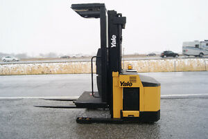 FORKLIFT,CHARIOT ELEVATEUR,SIDESHIFT,YALE OSO030