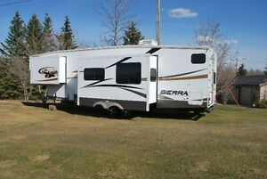 Forrest River Sierra 316BHT 5th Wheel