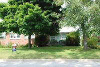 Southampton Red Brick Bunaglow on Large Lot-The Saugeen Team