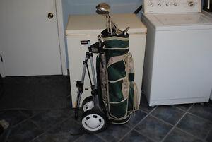 Sac de golf, 6 bâtons et porte-sac sur roues