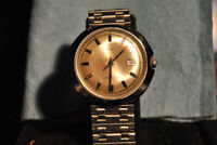 Vintage Timex Dial w/ Date Mens Watch  Manual Wind