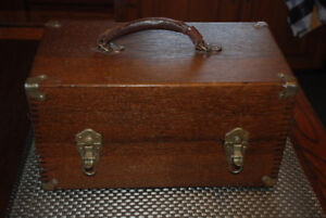 VINTAGE ANTIQUE WOODEN STRONG BOX CHEST DOVE TAIL CONSTRUCTION