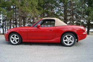 2000 Mazda MX-5 Miata leather Convertible