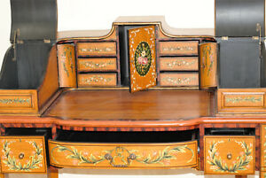 Early 20th century Carlton House Writing Desk with chair (2) Gatineau Ottawa / Gatineau Area image 9