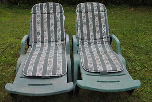 For Sale - 2 older lounge chairs