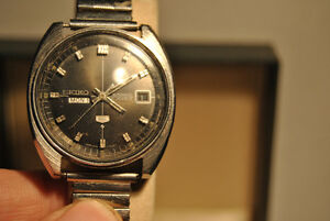 Seiko 5 Series Watch With Fantastic Black Dial