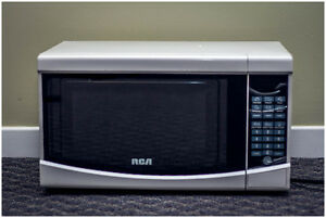 Almost New!! RCA Microwave Oven. 3 months!!