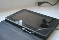 Blackberry Playbook 16 GB W/ Magnetic Charger