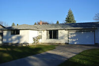 Live in Charleswood - in a spacious, very comfortable home!