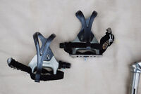 Retro Shimano 105 road pedals with toe clips and straps PD-1055