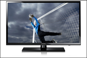 """Samsung 32"""" LED 720p HDTV, With Remote, & Wall Mount. MINT!"""
