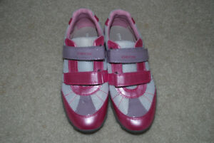 girl's shoes size 2  GEOX NEW ans skechers size 1