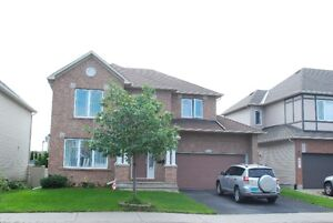 Great location 4 bedrooms in Barrhaven  available at November 1