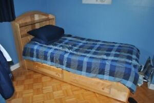 Twin bed and 5 drawer dresser