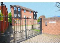 Amazing 1 Bed in Gated Development Chiswick Viewings Highly Recommended