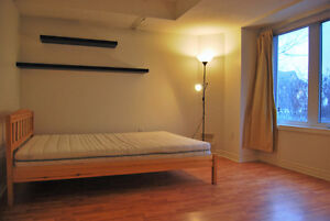 Large furnished room available in townhouse