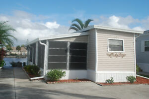 Mobile Home for Sale, Lake San Marino, Naples, Florida $US38,900