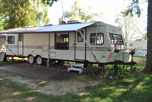 HOT VACATION ESCAPE 32.5 JAYCO-MUST SELL