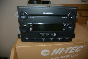 Shaker 500 6-CD in Dash Stereo - Off 2005 Mustang