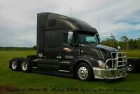 Volvo VNL670, Beautiful perfect maintained. New MVI