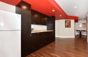 REAL ESTATE AGENT WELCOMED! 3200 SQFT single Home for RENT!