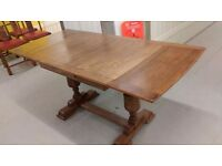 Antique dining table,solid oak,carved,extendable,105 cm - 165 cm,good physical condition,no chairs