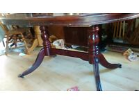 Regency dining table,mahogany,150-190CM,extendable,castor,very good condition ,no chair