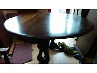 Round dining table, solid oak, extendable, carved, 60-125cm