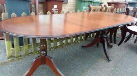 Regency dining table, mahogany, 160-215CM, extendable, 1 castor broken, round end