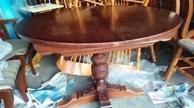 Round dining table, genuine Old Charm, solid oak, extendable, carved leg, 150cm,original price £2500