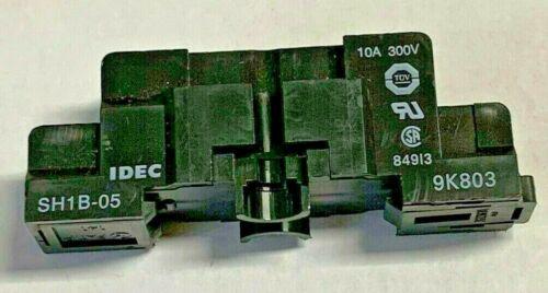 Idec SH1B-05 Socket  Relay Base  NEW