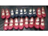 JOB LOT GIRLS CLARKS SHOES VARIED IN SIZES