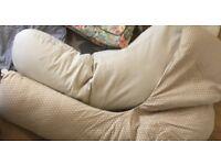 2 pregnancy pillows so comfy !