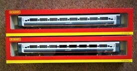 HORNBY PAIR OF AS NEW COACHES BOXED R4214 42229 CAN POST
