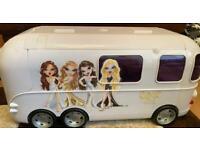 Bratz bus and 3 dolls