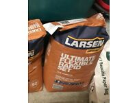 Larsen rapid set ultimate flexible grey floor and wall tile adhesive