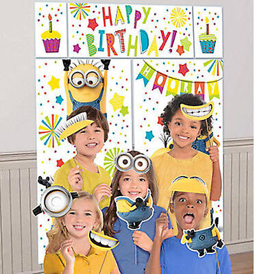 DESPICABLE ME 3 birthday party wall/door Scene Setter & photo booth kit - Despicable Me Scene Setter