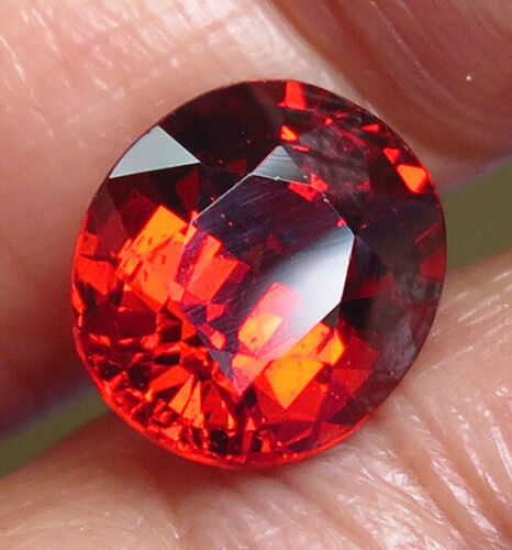 3.71ct. Oval cut Orange Spessartite Garnet VVS