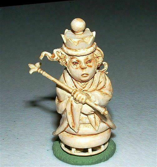 KAIYODO Alice In Wonderland WHITE QUEEN Figure SIR JOHN TENNIEL