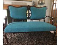 Antique sofa, Edwardian 2 seater settee - Mahogany frame, cabriole legs